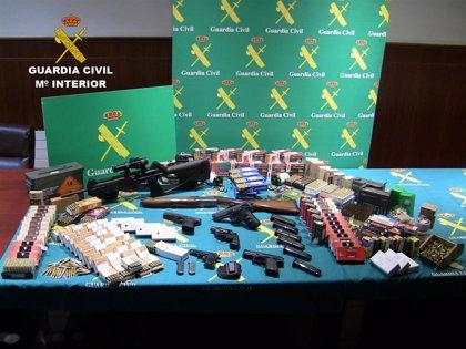 Cae una red que introducía en España armas detonadoras convertibles en reales desde Europa del este