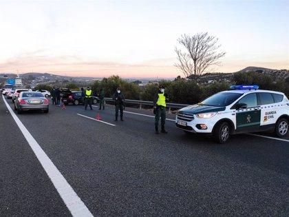 Dos detenidos y 15 kilos de hachís intervenidos en un control de movilidad en la A-44 en Jaén capital