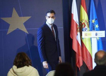 """Sánchez garantiza que la vacunación será """"equitativa"""" en toda España """"se viva donde se viva"""""""