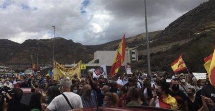 Abascal culpa al Gobierno de llamar a inmigrantes y pide detener las pateras antes de entrar en aguas españolas