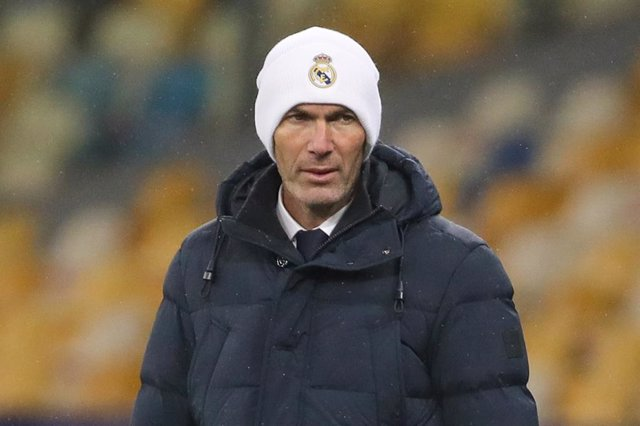 01 December 2020, Ukraine, Kharkiv: Real Madrid coach Zinedine Zidane stands on the sidelines during the UEFA Champions League Group B soccer match between FC Shakhtar Donetsk and Real Madrid CF at Metalist Stadium. Photo: -/Indira via DAX via ZUMA Wire/d