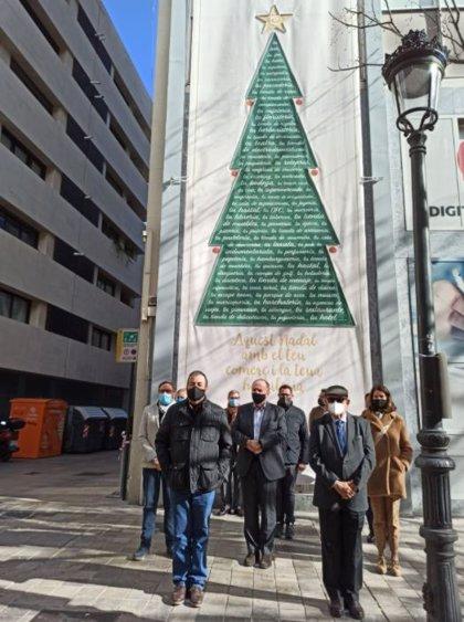 """El pequeño comercio se aferra a la campaña navideña como """"tabla de salvación"""" para acabar el año con dignidad"""