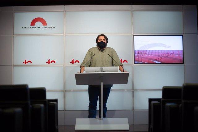 El diputat del PSC-Units Ferran Pedret en una roda de premsa al Parlament el divendres 4 de desembre del 2020