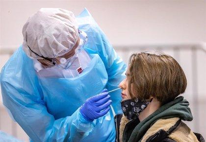 Descienden los positivos de coronavirus hasta los 161 casos en una jornada con tres fallecidos en Extremadura
