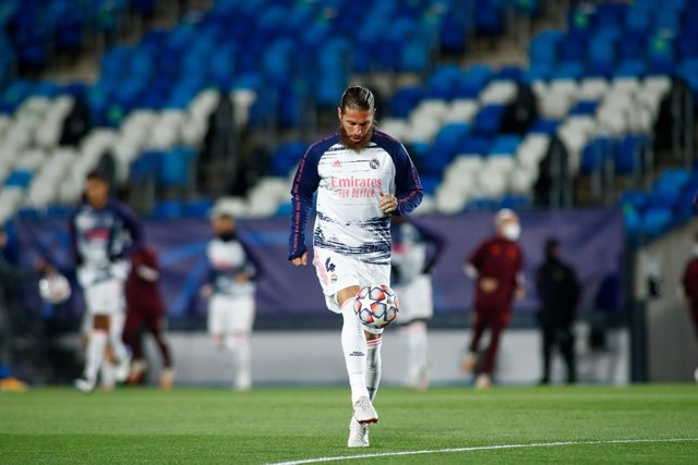 Sergio Ramos of Real Madrid warms up during the UEFA Champions League, Group B, football match played between Real Madrid and FC Internazionale Milano at Alfredo Di Stefano stadium on November 03, 2020, in Valdebebas, Madrid, Spain.