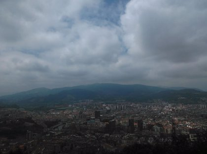 Ambiente invernal este sábado en Euskadi, con chubascos, tormentas y granizo