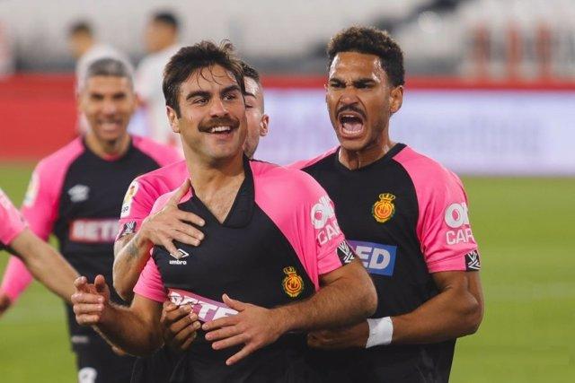 Abdón Prats marca de chilena el gol del triunfo del Mallorca