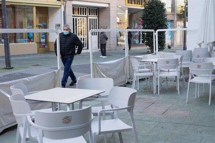 Repuntan a 337 los nuevos positivos detectados en Galicia, pero la cifra de hospitalizados baja de los 400