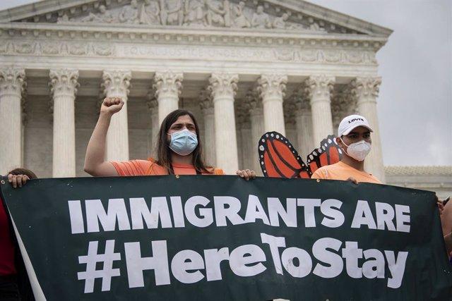 Manifestació de 'dreamers' davant del Tribunal Suprem dels Estats Units.