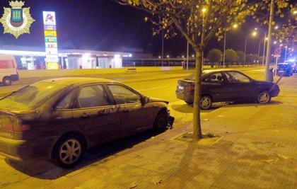 La Policía Local detiene a dos individuos por chocar contra un vehículo mientras hacían trompos en una calle de Logroño