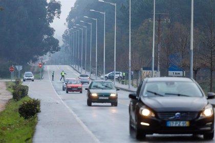 Empiezan los controles en la frontera con Portugal para velar por el cierre de Galicia durante el puente