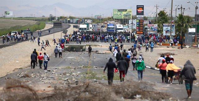 Imagen de las protestas y bloqueos por la Ley Agraria en Perú.