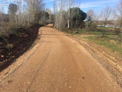 El Ayuntamiento de Mérida recepciona las obras del nuevo carril bici junto al Guadiana hasta el Albergue Juvenil