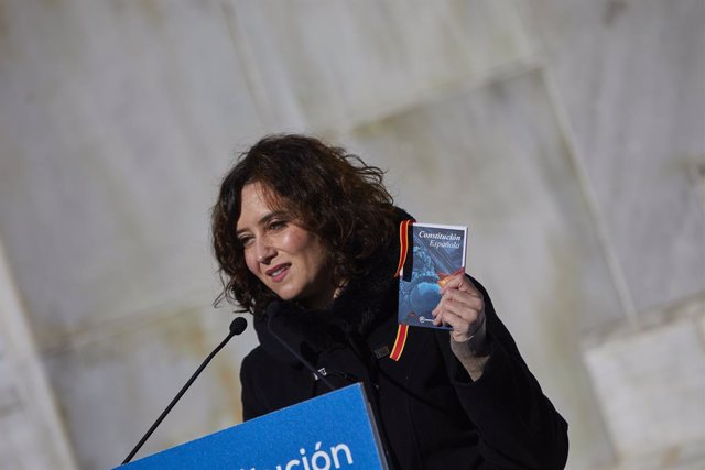 La presidenta de la Comunidad de Madrid, Isabel Díaz Ayuso, interviene durante el homenaje del PP de Madrid a la Constitución Española con motivo de su 42 aniversario, en Madrid (España), a 5 de diciembre de 2020.