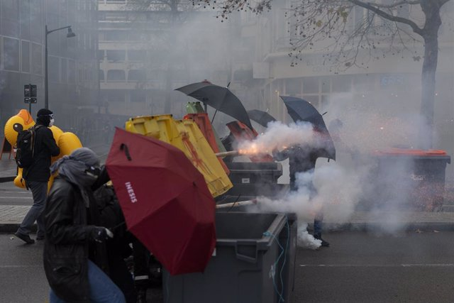 Manifestació contra la llei de seguretat global a Rennes, França.