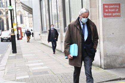 Reino Unido registra cierto descenso de afectados con 15.539 nuevos casos y 397 fallecidos