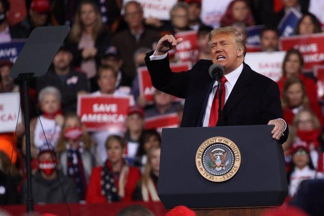El presidente de Estados Unidos, Donald Trump, en su primer mitin tras las elecciones presidenciales.