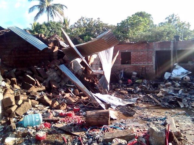 Explosión de fábrica de fuegos artificiales en El Salvador