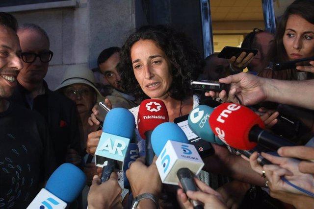 Patricia Ramírez , madre del niño Gabriel Cruz, Angel Cruz y a la salida de la Audiencia Provincial de Almería, haciendo unas declaraciones a la prensa (Foto de archivo).