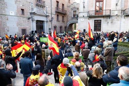 """Vox defiende la Constitución frente a un Gobierno """"traidor"""" y que está """"bajo la batuta de los enemigos de España"""""""