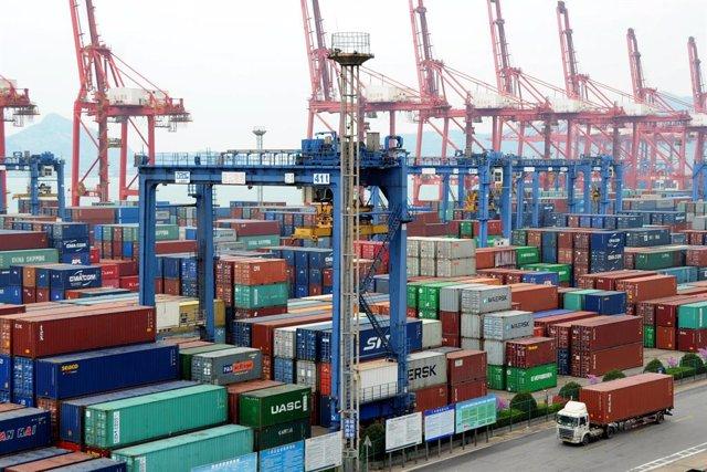 Puerto comercial en China.