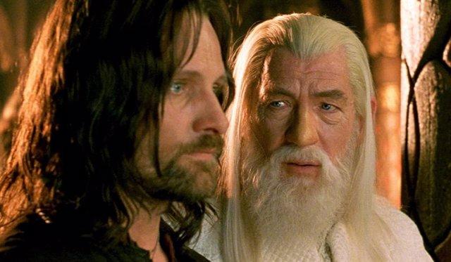 Aragorn y Gandalf en la serie de El señor de los anillos