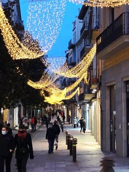 El carrer Sant Clara, una dels carrers comercials principals de la ciutat aquest dissabte passat.