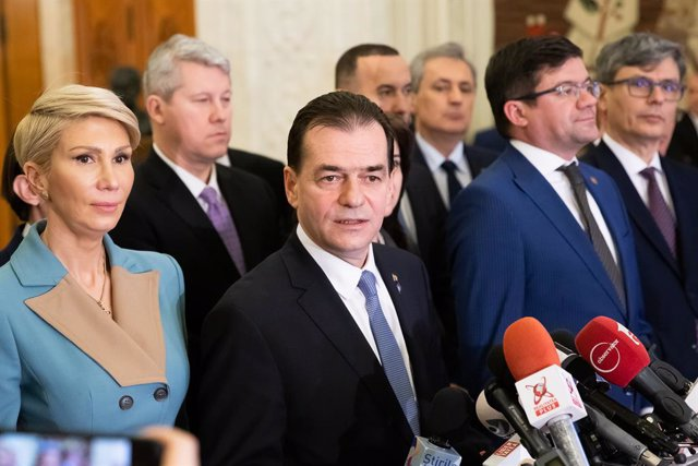 HANDOUT - 05 February 2020, Romania, Bucharest: Romanian Prime Minister Ludovic Orban delivers a press statement after losing a no-confidence vote at the Romanian parliament. Orban's three-month-old minority government was toppled on Wednesdayafter losin