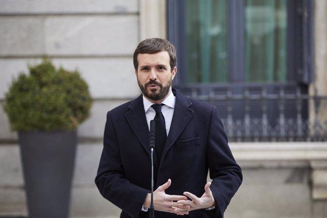 El presidente del PP, Pablo Casado, interviene durante el acto institucional por el Día de la Constitución en el Congreso de los Diputados, en Madrid (España), a 6 de diciembre de 2020. El Congreso celebra este domingo el cuadragésimo segundo aniversario