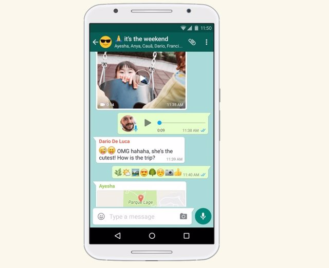 Chat grupal en WhatsApp