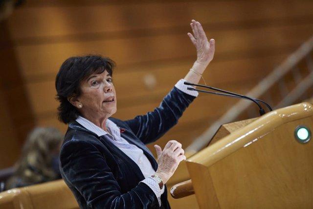 La ministra d'Educació i Formació Professional, Isabel Celaá, al Senat. Madrid (Espanya), 1 de desembre del 2020.
