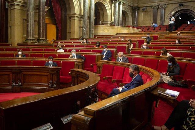 Vista de l'hemicicle en un ple del Parlament.
