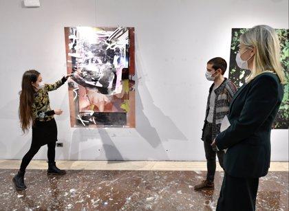"""Juntas de Bizkaia acogen una muestra que ofrece en doce obras las """"vivencias y preocupaciones"""" de dos alumnos de pintura"""