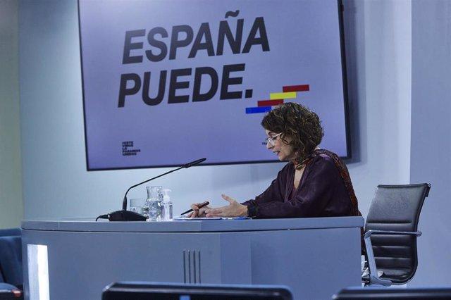 La ministra portavoz y de Hacienda, María Jesús Montero, en rueda de prensa tras el Consejo de Ministros.