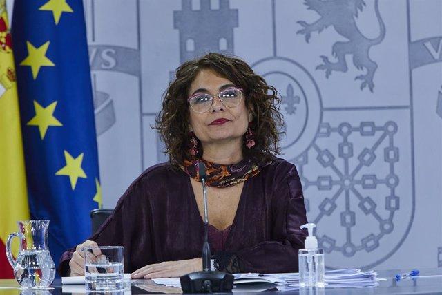 La ministra portavoz y de Hacienda, María Jesús Montero, comparece en rueda de prensa tras el Consejo de Ministros celebrado en Moncloa, Madrid (España), a 9 de diciembre de 2020. El Consejo de Ministros ha aprobado distintas medidas de carácter técnico d
