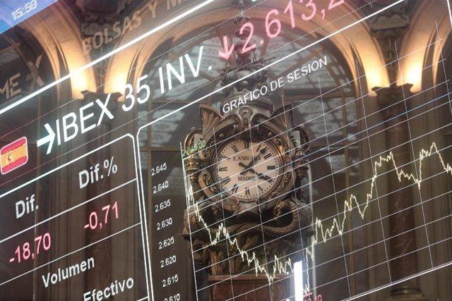 Valores del Ibex 35 en la bolsa de Madrid (España), a 13 de noviembre de 2020.