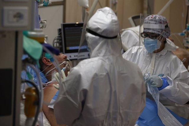 Médicos en un hospital de Roma