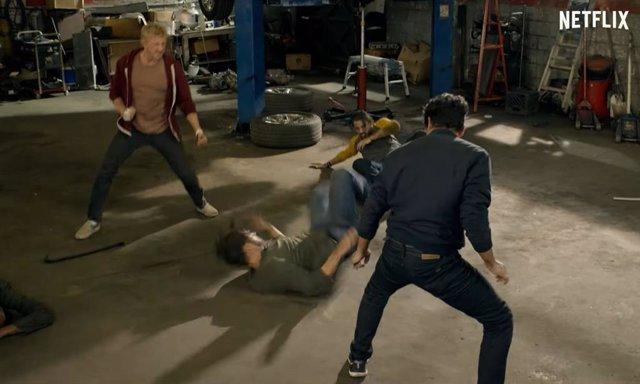 Imagen de la tercera temporada de Cobra Kai, la serie de Netflix