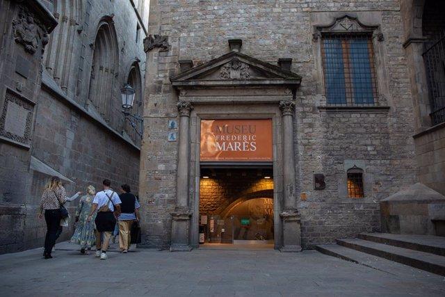 Façana museu.