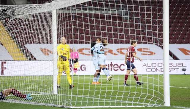 Ludmila celebra uno de sus goles en el Servette-Atlético de la Liga de Campeones femenina 2020-2021