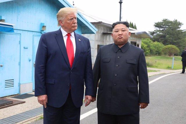 Donald Trump y Kim Jong Un en la zona desmilitarizada entre las dos Coreas