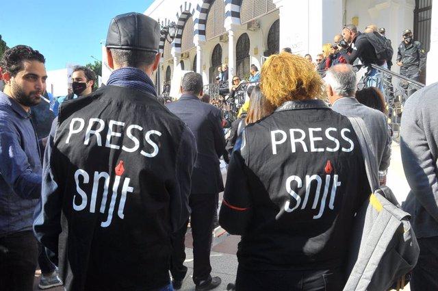Protesta de periodistas en Túnez