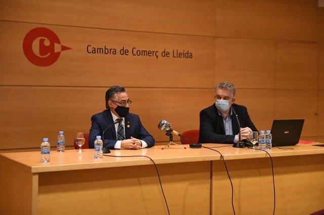 El conseller d'Empresa i Coneixement, Ramon Tremosa i el president de la Cambra de Comerç de Lleida,  Jaume Saltó