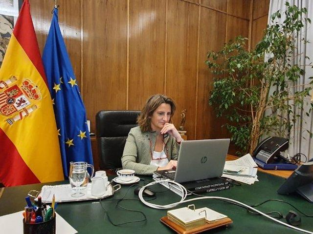 La vicepresidenta cuarta del Gobierno y ministra para la Transición Ecológica y Reto Demográfico, Teresa Ribera, participa en la reunión del grupo REACH EU (Foto de archivo).