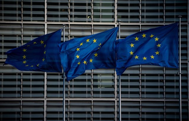 FILED - 30 January 2020, Belarus, Brussels: European flags wave in front of the headquarters of the European Commission in Brussels. A group of European Union member countries led by Luxembourg is planning to put forward an initiative at a meeting on Mond