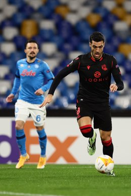 10 December 2020, Italy, Naples: Real Sociedad's Mikel Merino in action during the UEFA Europa League group F soccer match between SSC Napoli and Real Sociedad at Diego Armando Maradona Stadium Photo: Alessandro Garofalo/LaPresse via ZUMA Press/dpa
