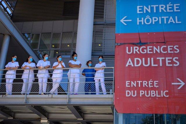 Imagen de archivo de personal sanitario en Francia.
