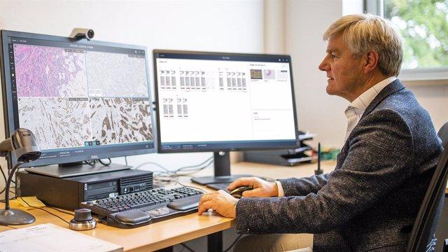 La última versión de la solución IntelliSite de Philips ayuda a los patólogos a trabajar de manera más eficiente en un flujo de trabajo digital automatizado