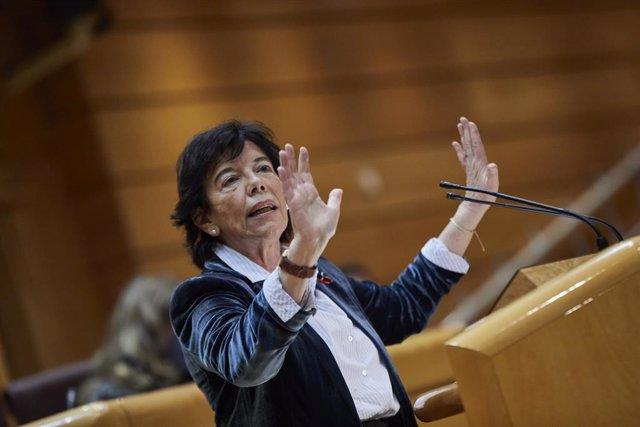 La ministra d'Educació i Formació Professional, Isabel Celaá, al Senat. Madrid (Espanya), 1 de desembre del 2020