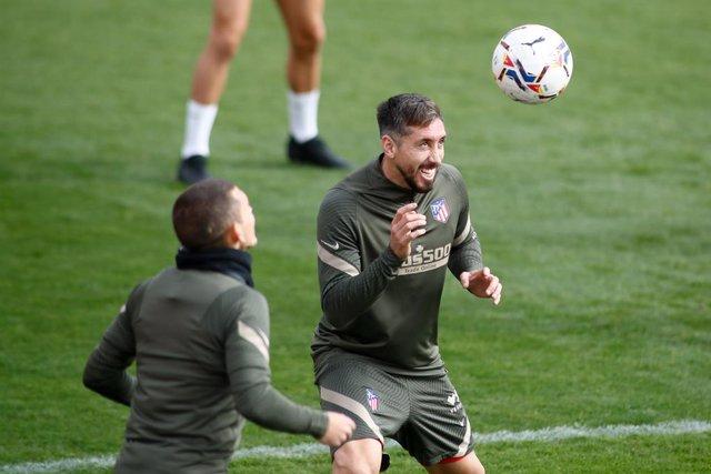 Héctor Herrera entrenando en el Atlético
